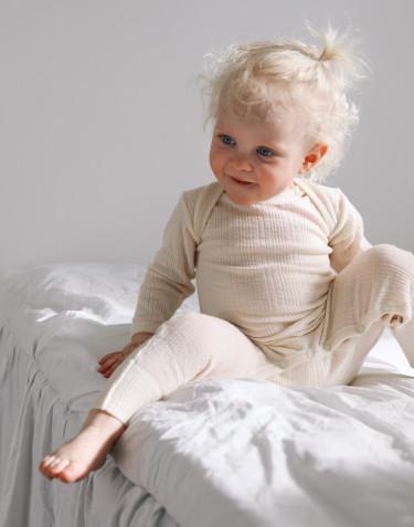 Vauvan potkuhaalari merinovillasilkkiä