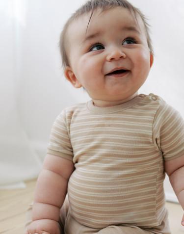 Vauvan lyhythihainen body merinovillasilkkiä