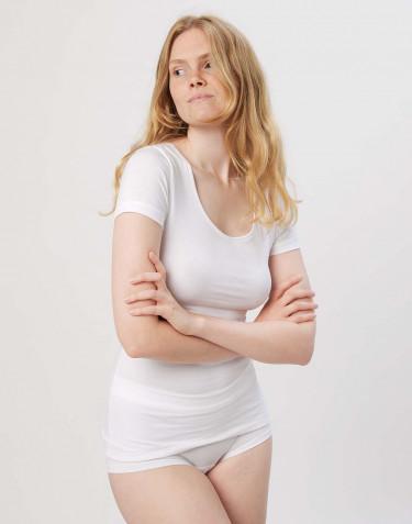 Miellyttävän pehmeä ja ohut t-paita puuvilla-elastaania valkoinen