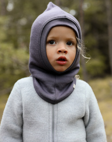 Vauvan kypärämyssy villafroteeta